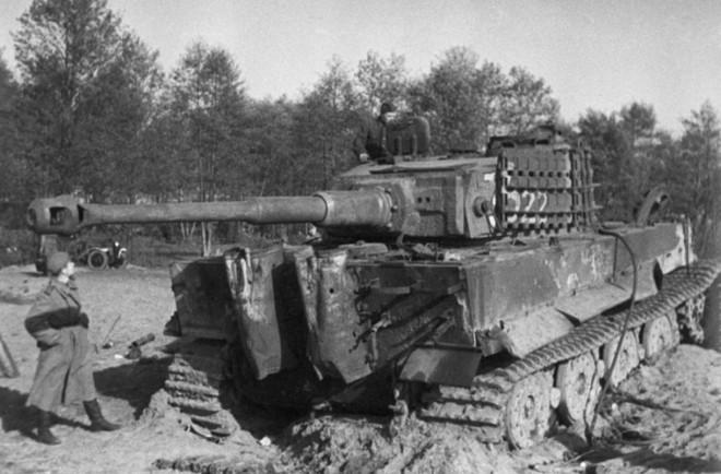 Bí mật: Hạ được xe tăng, mỗi lính Hồng Quân được thưởng 500 rúp - ảnh 2