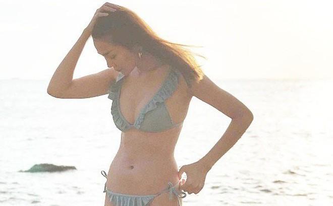 Thanh Hằng khoe ảnh bikini khiến dân mạng phát sốt với thân hình nóng bỏng