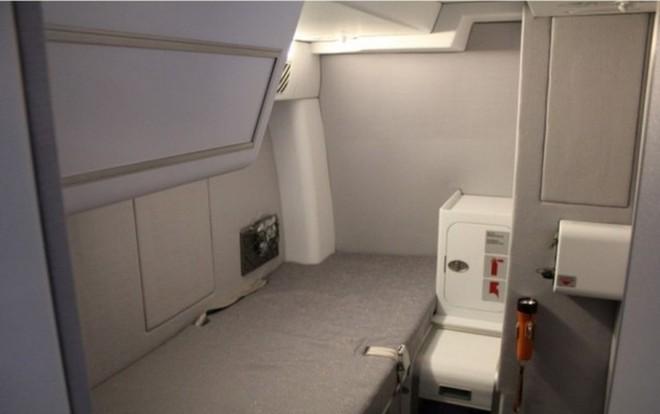 Hoá ra trên máy bay còn có những phòng ngủ bí mật cho phi hành đoàn mà không phải ai cũng biết - Ảnh 15.