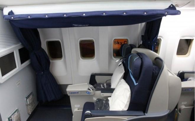 Hoá ra trên máy bay còn có những phòng ngủ bí mật cho phi hành đoàn mà không phải ai cũng biết - Ảnh 17.