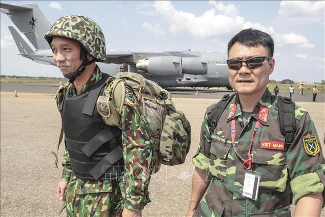 Những hình ảnh đầu tiên của các bác sĩ quân y Việt Nam tại Nam Sudan - Ảnh 2.