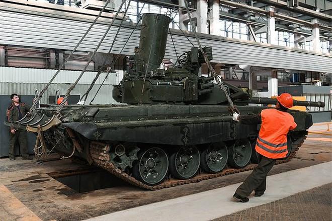 Những chiếc xe tăng T-90S Việt Nam đã xuất hiện trên thao trường Nga - Ảnh 13.