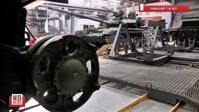 Những chiếc xe tăng T-90S Việt Nam đã xuất hiện trên thao trường Nga - Ảnh 3.