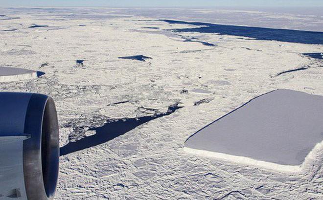 Chuyện gì sẽ xảy ra với tảng băng hình chữ nhật từng gây sốt của NASA?