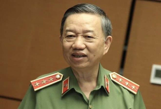 Vụ đổi 100 USD bị phạt 90 triệu, Chủ tịch Quốc hội nói phải xem xét sửa quy định cho dân nhờ - Ảnh 1.