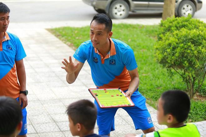 Trung vệ Vũ Như Thành: Chưa vô địch AFF Cup lần 2, bóng đá VN không thể nói đã phát triển - Ảnh 3.