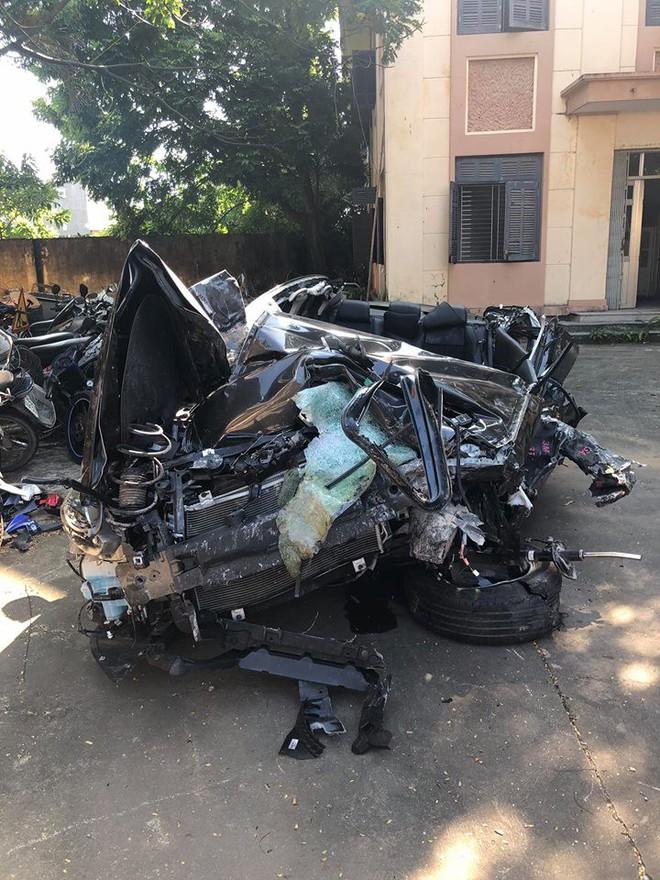 Hình ảnh xe Mazda nát bét sau tai nạn trên cao tốc Hạ Long - Hải Phòng gây ám ảnh - Ảnh 6.