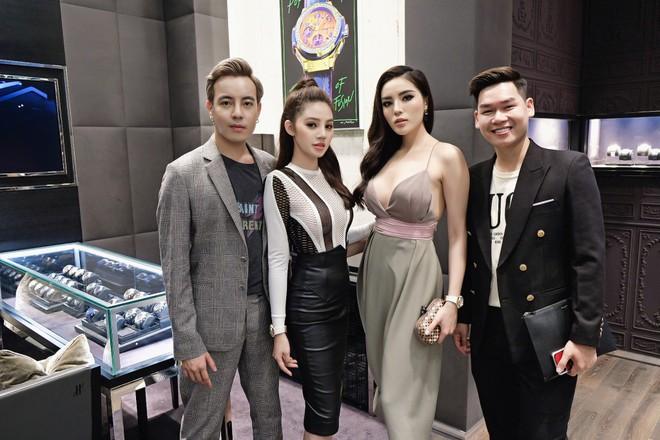 Hoa hậu Kỳ Duyên và Jolie Nguyễn thân thiết thế nào trước khi tuyên bố cạch mặt? - Ảnh 8.