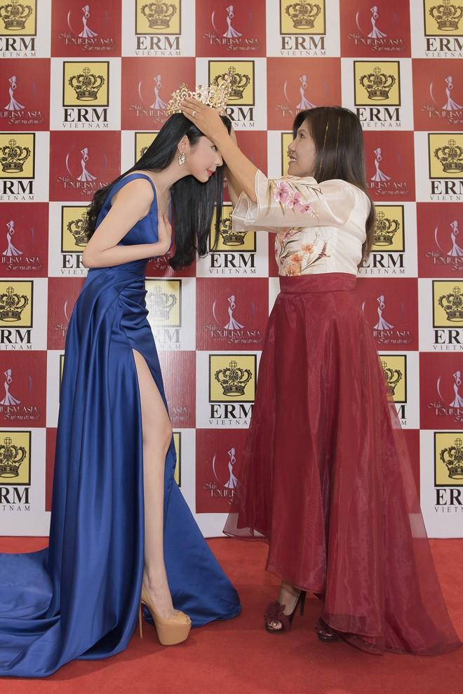 Huỳnh Vy dự thi Hoa hậu Du lịch Thế giới 2018 - ảnh 2