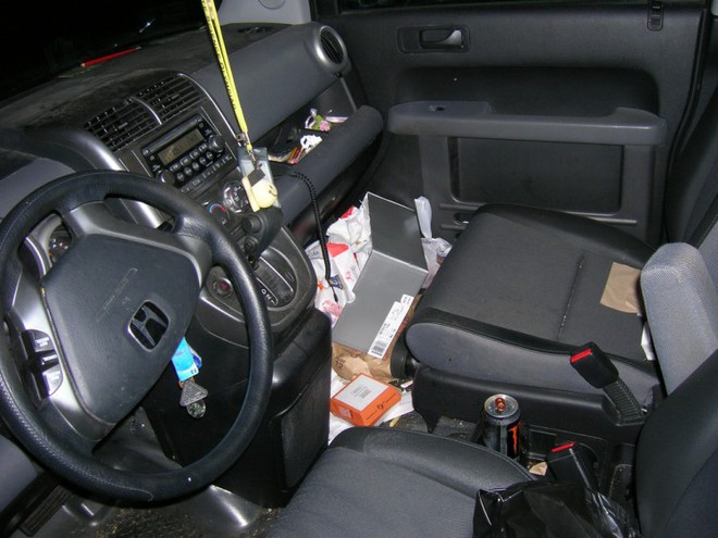 Hóa ra xe ô tô mà chúng ta sử dụng thường ngày lại bẩn hơn cả nhà vệ sinh - Ảnh 1.