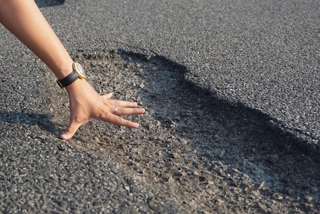 Vụ cao tốc 34 nghìn tỷ chi chít ổ voi: Nói do mưa, do xe tải thì tội trời, tội tài xế - Ảnh 3.