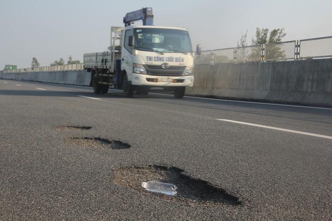 Hội Khoa học Cầu đường Đà Nẵng: Hư hỏng trên cao tốc 34 nghìn tỉ là hư hỏng nhỏ - ảnh 4