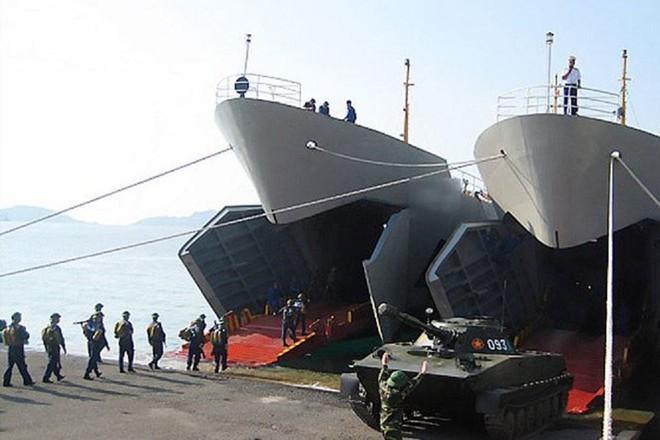 Cuộc hành quân trên biển có một không hai của xe tăng Việt Nam: Kỷ lục vô tiền khoáng hậu! - ảnh 4