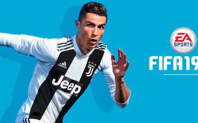 Sau khi gỡ bỏ, nhà tài trợ bất ngờ đưa hình ảnh của Ronaldo trở lại website