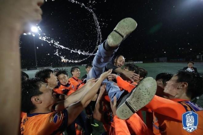 Cựu tuyển thủ U23 Việt Nam giành chức vô địch cùng đội bóng Hàn Quốc - Ảnh 1.