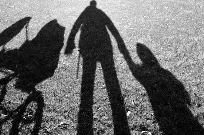 Ký ức ám ảnh suốt một đời của người phụ nữ có cha đẻ là ông ngoại, bị cưỡng bức suốt nhiều năm - Ảnh 1.