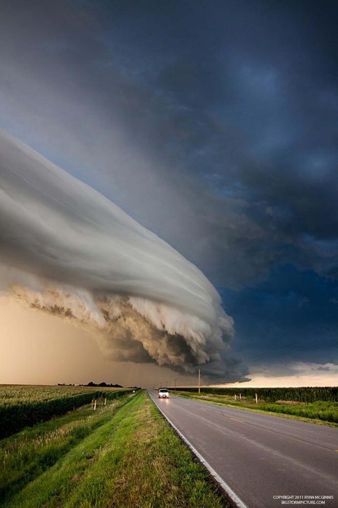 Những đám mây kỳ quặc có thể bạn không tin vào mắt mình (P2) - Ảnh 12.