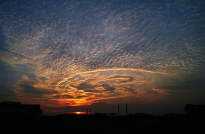 Những đám mây kỳ quặc có thể bạn không tin vào mắt mình (P2) - Ảnh 14.