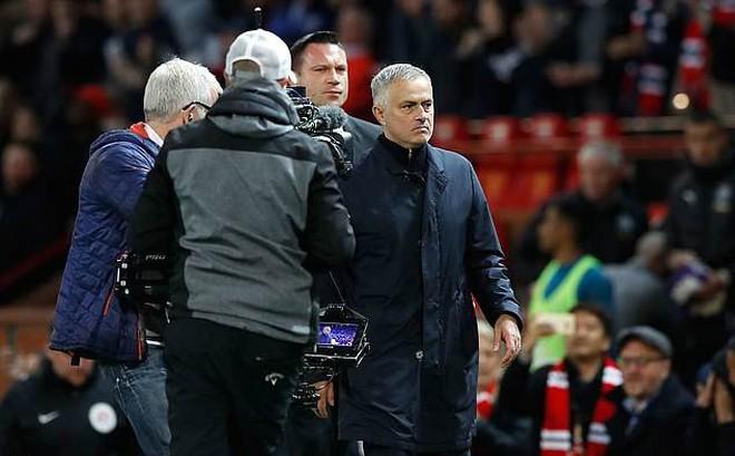 Mourinho bị điều tra sau chiến thắng nghẹt thở trước Newcastle