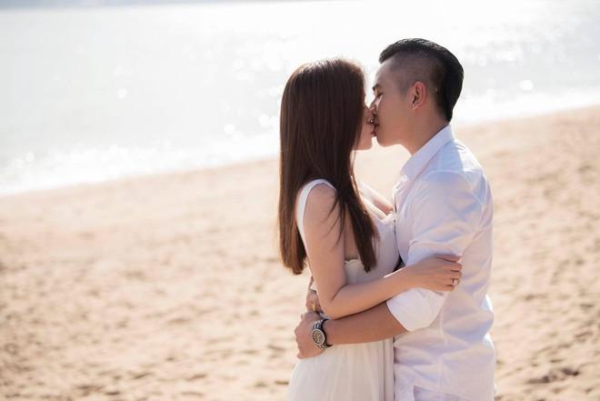 Sau đám cưới lãng mạn bên bờ biển, chị gái Ngọc Trinh khoe ảnh tình tứ, nói lời sến sẩm với ông xã kém tuổi - ảnh 4