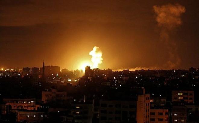 """Israel kích hoạt """"Vòm Sắt"""", nã tên lửa phản đòn Hamas - Gaza bên bờ vực chiến tranh"""