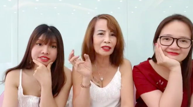 Cô dâu 62 tuổi livestream, tiết độ tin sốc Thị Nở tái sinh là vợ hai của chồng? - ảnh 5