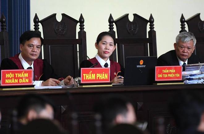 Bí ẩn người phụ nữ giúp cảnh sát phá đường dây đánh bạc liên quan đến ông Phan Văn Vĩnh - Ảnh 1.