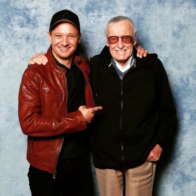 Dàn sao phim Marvel và nhiều nghệ sĩ khác cùng tưởng nhớ Stan Lee sau tin cha đẻ các siêu anh hùng qua đời - Ảnh 6.