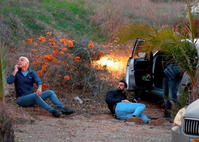 24h qua ảnh: Israel phóng mưa tên lửa chặn rocket từ dải Gaza - Ảnh 1.