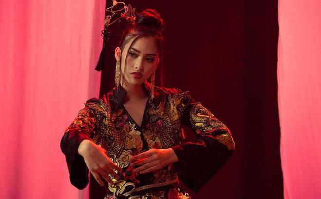 Tưởng chừng sẽ 'flop' khi hát Lạc trôi, Tiểu Vy xuất sắc lọt vào vòng 2 phần thi tài năng Miss World 2018