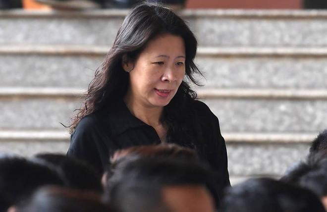 Phút mủi lòng của Phan Sào Nam khi chứng kiến chị họ liên tục khóc ở sân tòa - Ảnh 3.