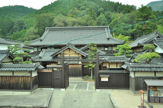 Những ngôi nhà an yên đẹp tựa tranh vẽ ở vùng nông thôn Nhật Bản - Ảnh 17.