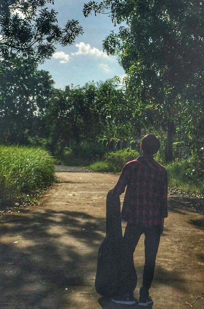 Đăng clip biểu diễn trong ngày 20/11, nam sinh Cà Mau bỗng được dân mạng truy tìm - Ảnh 4.