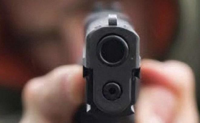 50 thanh niên mang mã tấu, nghi nổ súng vào nhà dân, một người bị bắn trọng thương ở Sài Gòn
