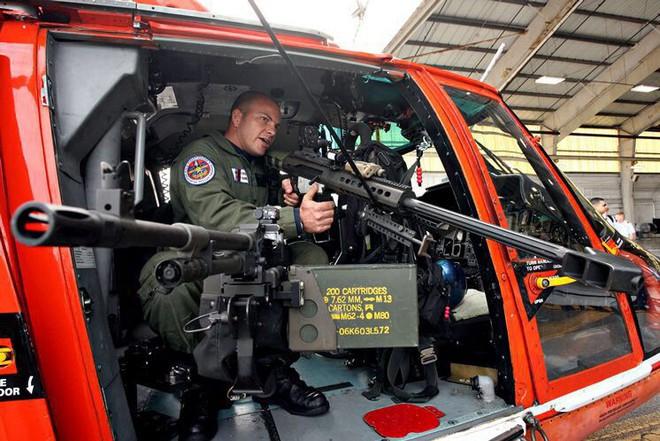 Vượt mặt cả Thủy quân lục chiến, xạ thủ bắn tỉa của Tuần duyên Mỹ đáng gờm như thế nào? - Ảnh 8.