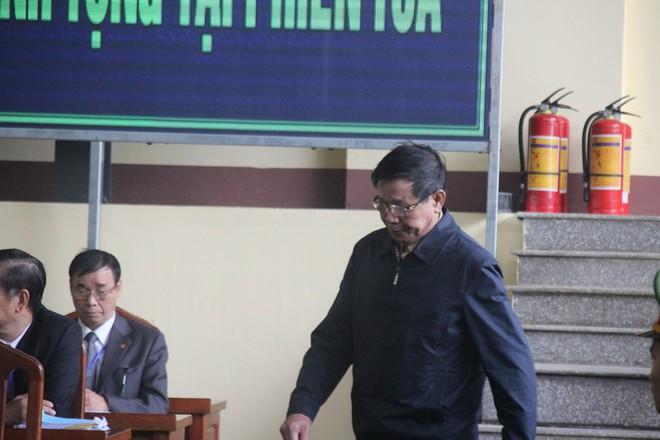 Cựu tướng Phan Văn Vĩnh: 'Tôi đã đưa một đàn ong vào trong tay áo' - ảnh 1