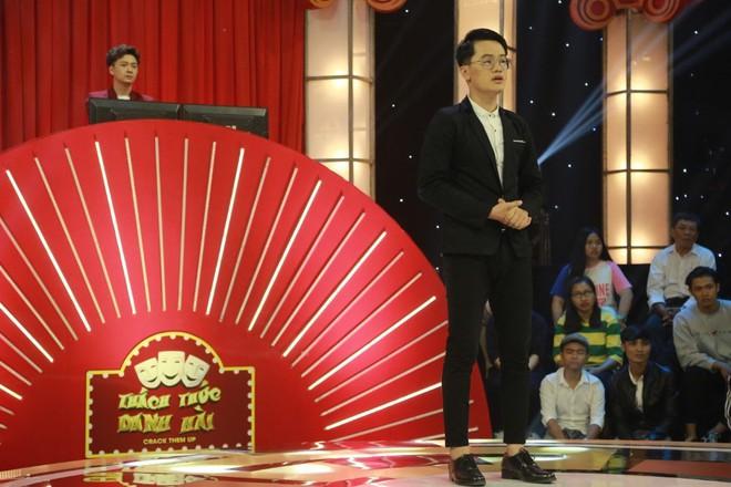 Trường Giang, Trấn Thành rùng mình vì thí sinh làm quan tài, đưa tang giữa trên sân khấu - ảnh 1