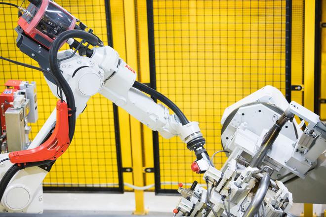[Ảnh] Cận cảnh xưởng hàn xe máy điện của VinFast - Ảnh 4.