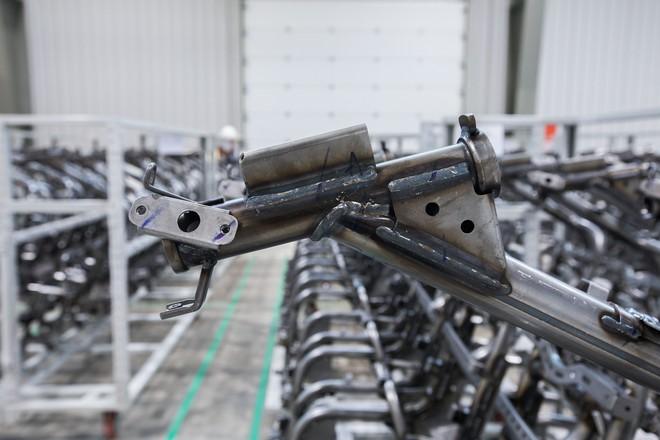 [Ảnh] Cận cảnh xưởng hàn xe máy điện của VinFast - Ảnh 17.