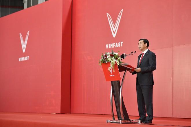 Lễ khánh thành và ra mắt xe điện đầu tiên của VinFast - Ảnh 2.
