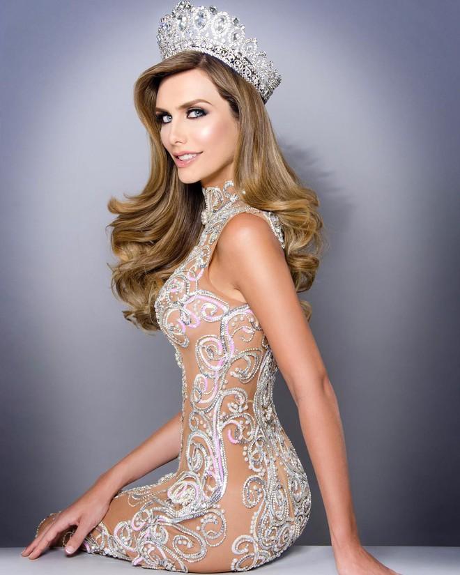 Người đẹp chuyển giới gây tranh cãi khi chính thức đến Thái Lan dự thi Miss Universe 2018 cùng H'Hen Niê - ảnh 1