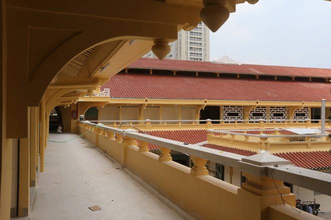 Ảnh: Cận cảnh chợ Bình Tây ở TP.HCM đẹp như cung điện trước ngày mở cửa trở lại - Ảnh 2.