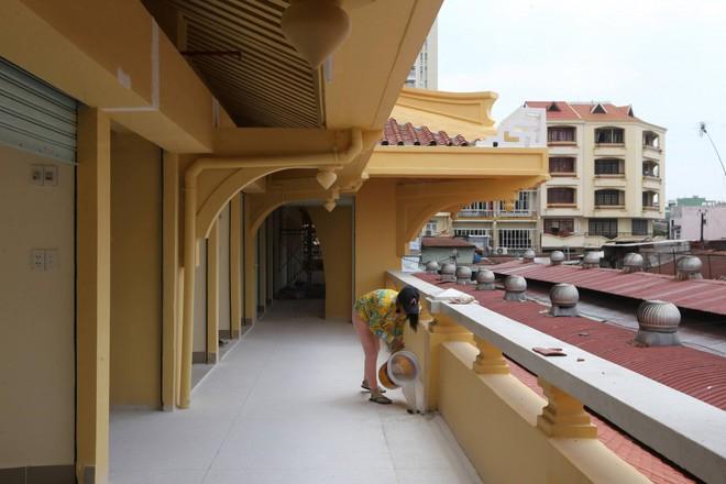 Ảnh: Cận cảnh chợ Bình Tây ở TP.HCM đẹp như cung điện trước ngày mở cửa trở lại - Ảnh 4.