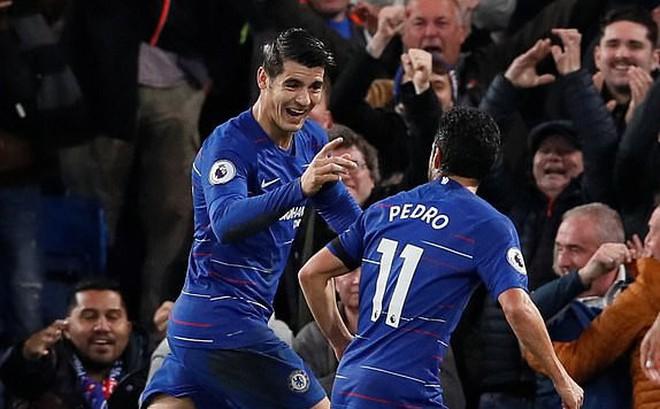 Chèn ép đến ngột thở Crystal Palace, Chelsea quyết không buông Man City