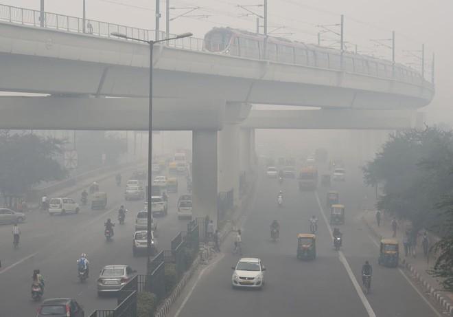 24h qua ảnh: Bầu không khí ô nhiễm đến nghẹt thở ở Ấn Độ - Ảnh 3.