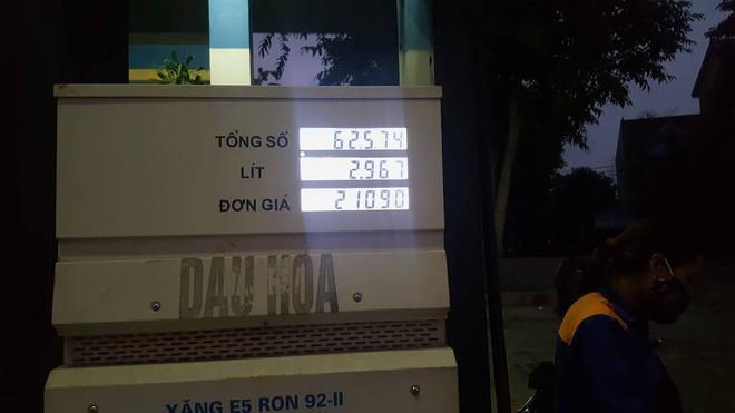 Cục Quản lý thị trường vào cuộc kiểm tra vụ cây xăng quên giảm giá - Ảnh 1.