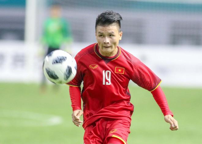 Quang Hải lọt top tiền vệ sáng giá nhất tại AFF Cup 2018 - Ảnh 1.