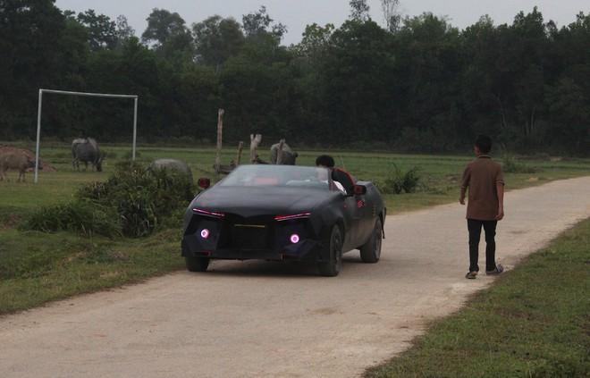 Cận cảnh siêu xe mui trần Lamborghini chờ ngày rước dâu được chế từ xe đồng nát của 9X Hà Tĩnh - Ảnh 14.