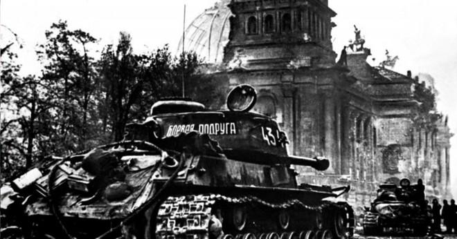 Người phụ nữ Xô viết gom tiền mua xe tăng, ra trận chiến đấu trả thù cho chồng - Ảnh 2.