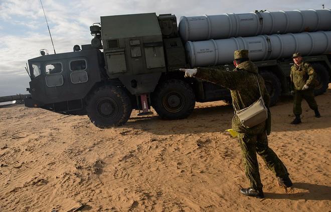 Tên lửa S-300 Syria sẵn sàng chiến đấu: Chuyên gia kỹ thuật Nga rút về nước - Ảnh 1.